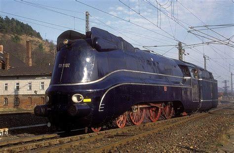 reply      streamlined steam locomotives