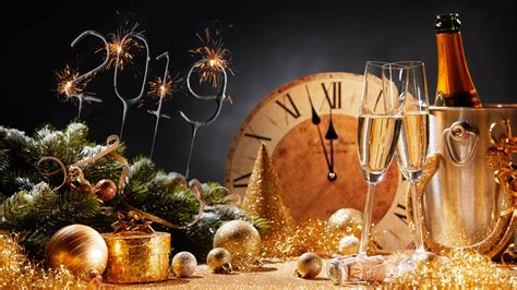 wallpaper happy  year  christmas balls champagne
