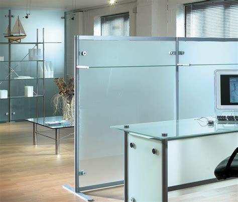 cloison verre bureau la cloison en verre est un moyen élégant d 39 organiser l