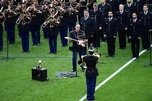 Le Garde D Arno : le chanteur de la garde r publicaine fracass par l 39 ex leader d 39 oasis ~ Dode.kayakingforconservation.com Idées de Décoration
