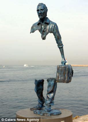 forgotten  artist creates stunning bronze