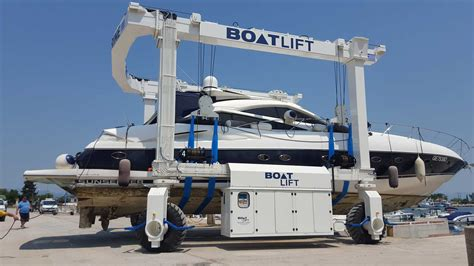 Marina Boat Lift by Why You Should Choose A Travel Lift For Your Marina U S