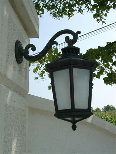 lade da esterno in ferro battuto illuminazione interni ed esterni in ottone r2 officina