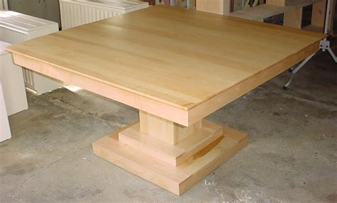 solid wood kitchen tables   usa types  wood