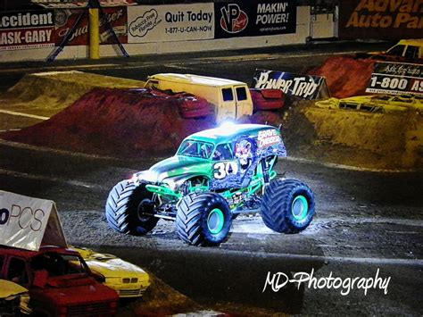grave digger 30th anniversary monster truck toy grave digger 30th anniversary monster trucks pinterest