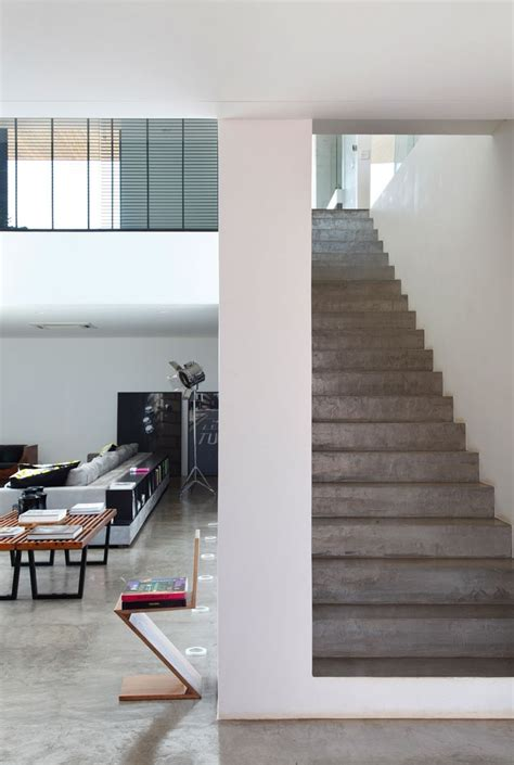 Treppenstufen Beton Innen by La Home Concrete Steps Interior Design Ideas