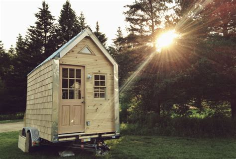 tiny house dating big love small spaces a dating site for people with tiny houses vocativ