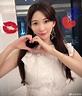 崩壞!44歲林志玲臉蛋變形暴瘦成「蛇精臉」嚇壞粉絲 - 香港新浪