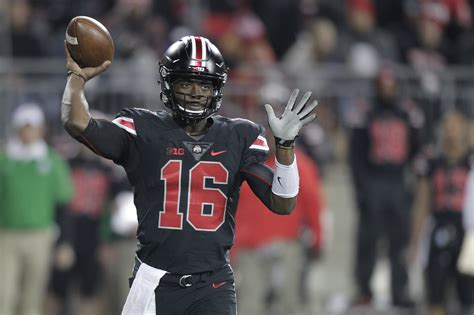 J.t. Barrett Coming Back To Ohio State For Senior Year