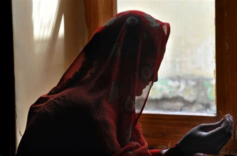 forced marriage outlawed  uk  victims