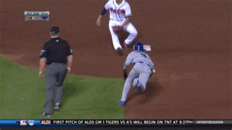Dee Gordon Meme - dee gordon steal dodgers speedster shocked after getting called out against braves gif huffpost