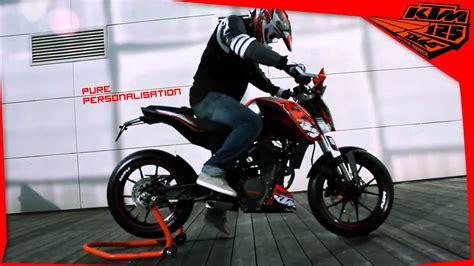 ktm 125 avec des kits graphiques pour 2011