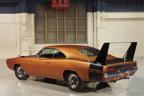 Car Pro Dodge Revives Challenger Ta Charger Daytona