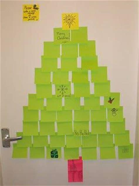 post it note christmas tree tip junkie