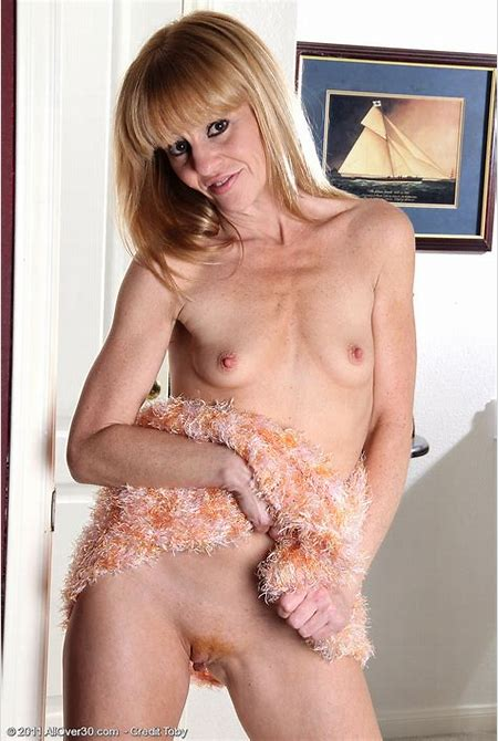 Blonde 40 year old housewife Penelope slips off her sundress - Pichunter