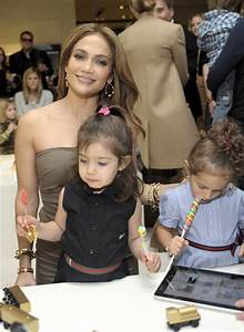 Jennifer Lopez with son daughter Emme and niece Lucie ...