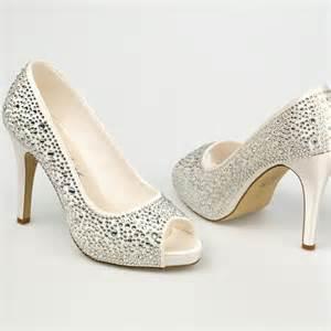 chaussure mariage chaussure mariage ivoire en satin à bout ouvert talon 11 cm roxanne westerleigh