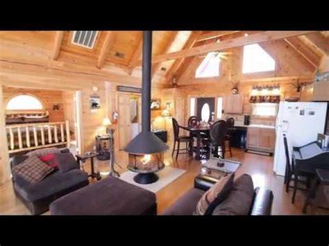 bear bedroom bathroom log cabin branson wwwrentbransoncom youtube
