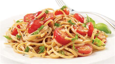 pate a la tomate fraiche linguines sauce aux tomates fra 238 ches recettes iga p 226 tes basilic recette rapide