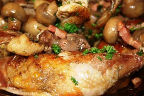 cuisiner un faisan facile recette de pintade brais 233 e aux lardons la recette facile