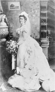 History of wedding dresses meaning of a white wedding for Origin of white wedding dress