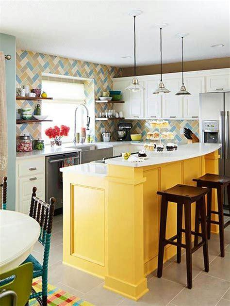 bright kitchen colors l ilot central le cœur de la cuisine 1802