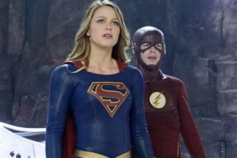 supergirl   flash crossover preview greg berlanti