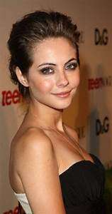 Willa Holland - IMDb