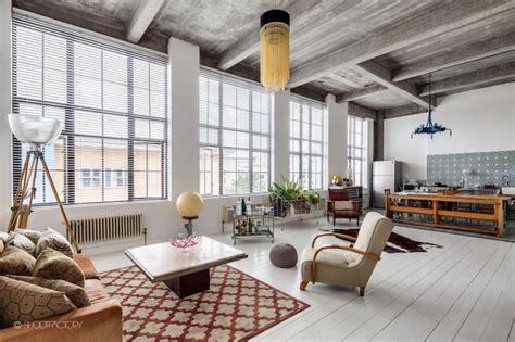 spacious apartment  industrial  retro features