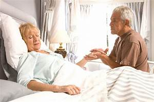 Betten Für Senioren : schlafzimmer einrichtung f r senioren m bellexikon ~ Orissabook.com Haus und Dekorationen