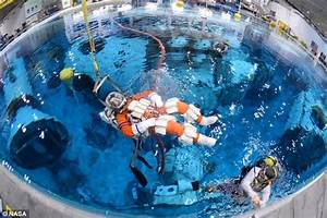 One small step: Nasa astronauts start training for mission ...