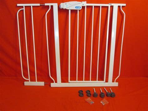Regalo Extra WideSpan Walk Through Safety Gate White 1158