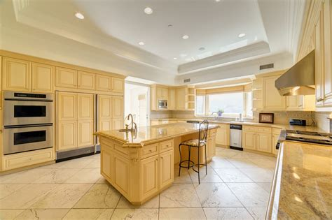 Ideas For Above Kitchen Cabinets - luxury kitchen design ideas custom cabinets part 3 designing idea