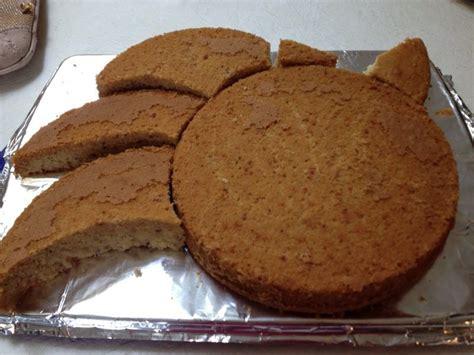 Ob kindergeburtstag oder einfach mal eine torte für zwischendurch, die tortenaufleger verwandeln jede einzelne torte in ein tolles kunstwerk. Motivtorten selber machen: Elsa Torte Anleitung #fondant # ...