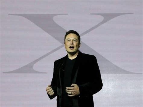 Tesla Halts Model 3 Production Line, Replaces Robots With