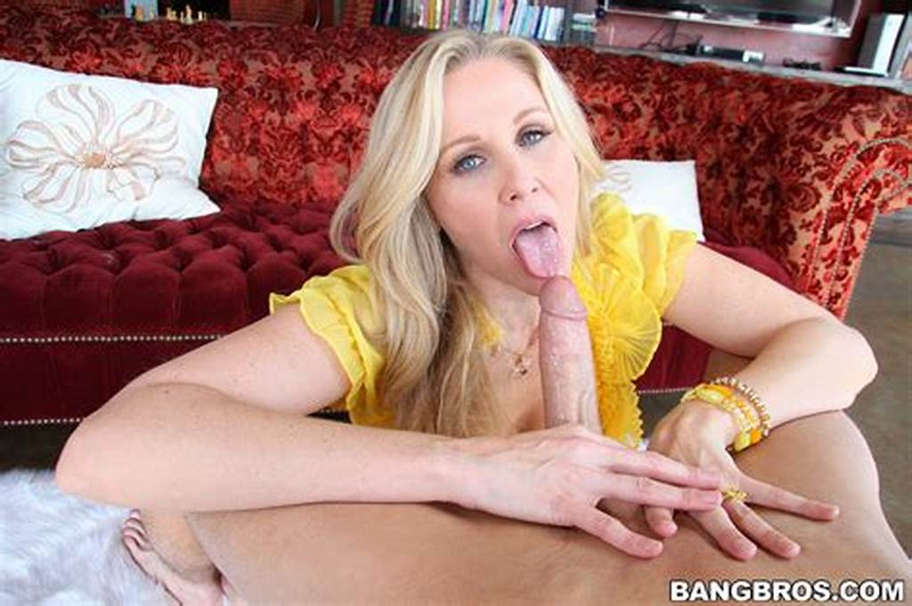 #Glamorous #Blond #Cougar #Julia #Ann #Humping #On #Hugo