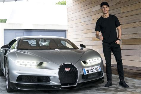 Ronaldo posted a picture of himself sitting in front of his bugatti chiron on his instagram account with a caption that reads you choose the view. Bugatti La Voiture Noire pour Cristiano Ronaldo ? - actualité automobile - Motorlegend