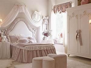 Deco Chambre Fille Princesse : chambre petite fille princesse 1 charmelux survl com ~ Teatrodelosmanantiales.com Idées de Décoration