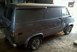 Custom Chevy Shorty Van  G10