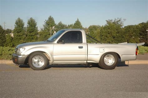 2000 Toyota Tacoma Mpg by 2000 Toyota Tacoma Overview Cargurus