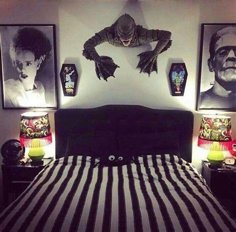 creative horror decor ideas  mens bedroom bedroom decoracion de habitaciones