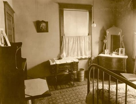 photo  edwardian victorian home interior bedroom