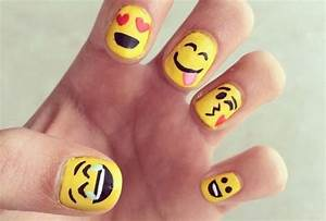 Emoji nail art tutorial : Tend?ncias de unhas para sempre fashion