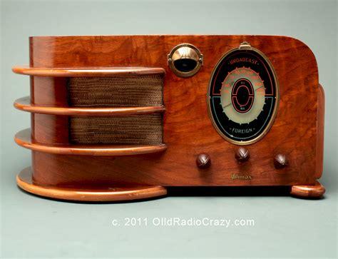 Art Deco Climax Model 60 Tube Radio