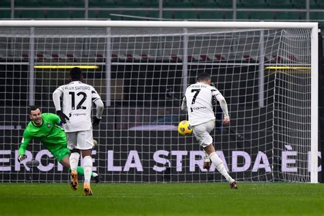 Cristiano Ronaldo brace gives Juventus edge over Inter in ...