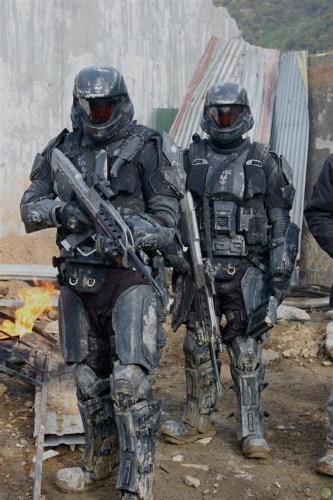 future military futuristic soldiers armor future military weapons