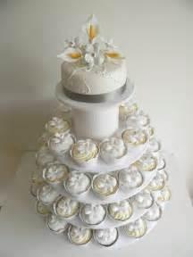 just call me martha celia istvan 39 s wedding cake cupcakes - Wedding Cake And Cupcakes