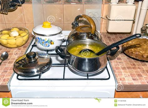 gas cooking utensils stove soup saucepan preview