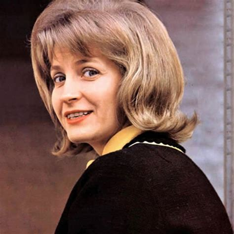 She was best known for her hit song the end of the world (1963), one of the most popular american records of the 1960's. Skeeter Davis Photos (4 of 40) | Last.fm