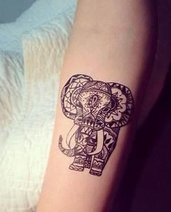 Tatouage Arriere Bras : 25 tatouages inspiration dentelle pour un look l gant glamour ~ Melissatoandfro.com Idées de Décoration